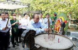 Thủ tướng dâng hương tưởng niệm anh hùng, liệt sỹ