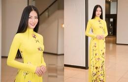 Hoa hậu Phương Khánh diện áo dài nền nã thăm tỉnh Fukuoka trong vai trò đại sứ Nhật ngữ