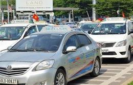 """Đề xuất phương án nhận diện taxi, xe khách """"chui"""""""