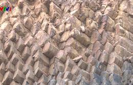 Phát hiện thêm nhiều vách đá tương tự Ghềnh Đá Dĩa Phú Yên