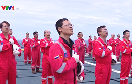 Trang nghiêm lễ chào cờ trên mỏ dầu khí Hải Thạch - Mộc Tinh