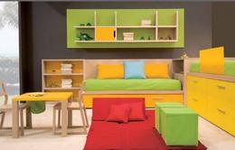 Căn phòng của trẻ được thiết kế bằng gam màu sặc sỡ