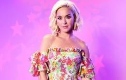 """Katy Perry: """"Tôi trưởng thành hơn nhờ con trai của hôn phu"""""""