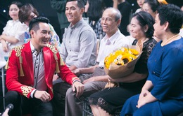 Mẹ Nguyễn Phi Hùng sốt ruột khi nam ca sĩ vẫn ế ở tuổi 42