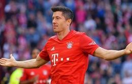 """""""Nổ súng"""" không ngừng, Robert Lewandowski lại xác lập siêu kỷ lục ở Bundesliga"""