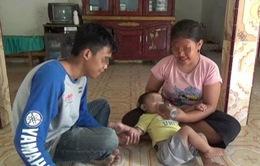 Bé gái 6 tháng tuổi bị uống cà phê thay sữa vì nhà quá nghèo