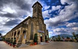 Đề xuất thu phí khách lẻ nước ngoài tham quan Nhà thờ đá Nha Trang