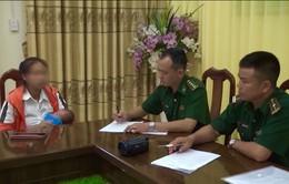Lạng Sơn: Bắt quả tang mẹ đẻ bán con qua biên giới