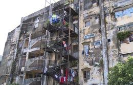 Người dân bám trụ chung cư xuống cấp Trúc Giang
