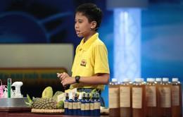 """Chưa từng học hóa học, """"startup nhí"""" 11 tuổi tự sản xuất nước rửa chén từ thiên nhiên?"""