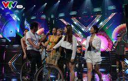 Dàn diễn viên hóa Mị trên sân khấu VTV Awards trước giờ G