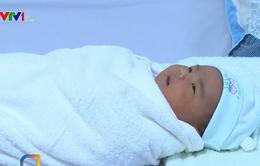 Sản phụ ở Quảng Ngãi sinh bé trai có trọng lượng 5kg