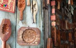 Giữ hồn nghề làm khuôn bánh Trung thu