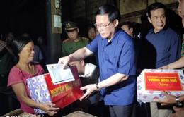 PTT Vương Đình Huệ thăm, tặng quà vùng lũ Quảng Bình