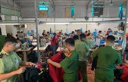 Thu giữ hàng nghìn sản phẩm thời trang sản xuất giả nhãn hiệu The North Face