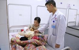 Phẫu thuật thành công cứu bé 3 tháng tuổi bị gạch rơi lún sọ