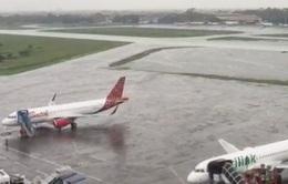 Hành khách ảnh hưởng lịch trình do sân bay ở Jakarta (Indonesia) đóng cửa