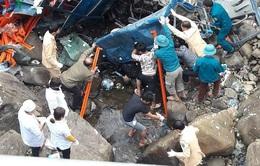 Xe tải lao xuống suối cạn, 3 người thiệt mạng tại chỗ