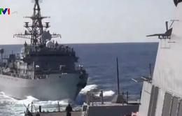 Nga nói tàu khu trục Mỹ chạy cắt đường tàu hải quân trên biển