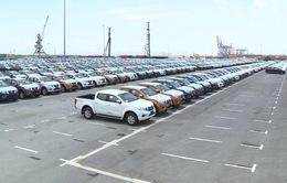 Doanh số bán ô tô toàn thị trường gần chạm ngưỡng 400.000 xe