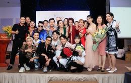 Kyo York, Hoàng Mèo, Chí Tài, Nhật Kim Anh… cùng dàn sao chúc mừng quán quân 100 giây rực rỡ mùa 2