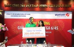 """Tài xế GrabBike trúng Vietlott 57 tỷ đồng ủng hộ 200 triệu đồng cho """"Trái tim cho em"""""""