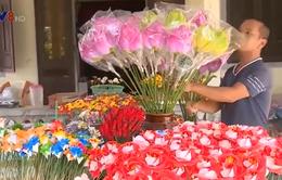 Làng nghề hoa giấy vào vụ Tết