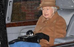 """Nữ hoàng Anh lên tiếng về quyết định """"ra riêng"""" của vợ chồng hoàng tử Harry"""