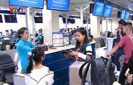 Hành khách có thể tự làm thủ tục hành lý tại quầy ở sân bay