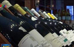 Giới nhập khẩu Mỹ lo ngại thuế đánh vào rượu vang Pháp