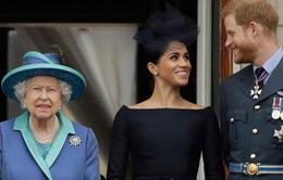 Nữ hoàng Anh cho phép vợ chồng Hoàng tử Harry rút khỏi Hoàng gia