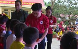 Trao tặng hơn 1.000 áo ấm cho học sinh vùng cao tỉnh Tuyên Quang