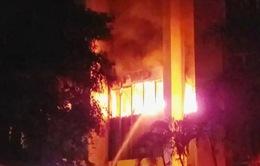 Thanh Hóa: Cháy lớn tại tòa nhà dầu khí, nhiều người mắc kẹt, 1 người chết