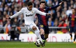 """Trung vệ Varane hồ hởi khoe cách 'khóa cứng"""" Messi"""