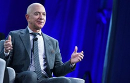 Ly hôn và mất 10 tỷ USD một năm, tỷ phú Jeff Bezos vẫn giữ vị trí người giàu nhất thế giới