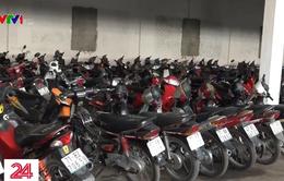 Cận Tết, các bãi giữ xe vi phạm giao thông kêu cứu vì quá tải