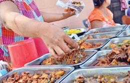 Hàng chục học sinh ngộ độc thực phẩm ở Campuchia