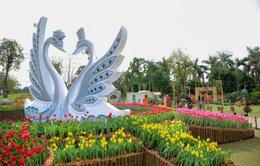 """Du xuân Canh Tý, nhiều người thích thú với điểm """"check-in"""" độc đáo gần Hà Nội"""