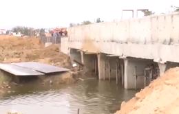 Phú Yên: Nông dân không thể gieo sạ vì thi công đường lấp cống thoát nước