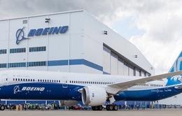 Hãng Boeing kinh doanh thua lỗ lần đầu tiên trong hơn 20 năm