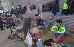 Lào Cai: Khởi tố 10 đối tượng mua bán, tổ chức sử dụng trái phép ma túy tại biên giới