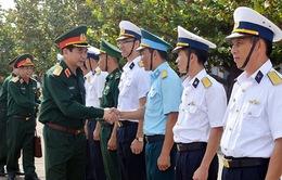 Đoàn công tác Bộ Quốc phòng chúc Tết quân dân Trường Sa