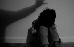 """""""Người thân quen"""" - Thủ phạm của hơn 90% vụ xâm hại trẻ em tại Việt Nam"""