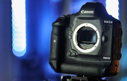 """Canon ra mắt """"bánh chưng"""" EOS-1D X Mark III"""