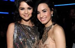 Không còn là bạn, Selena Gomez vẫn khen ngợi Demi Lovato