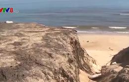 Thừa Thiên - Huế: Sạt lở bờ biển gia tăng sau bão
