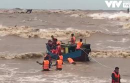 Điều trực thăng đến cứu 8 thuyền viên tàu Vietship 01