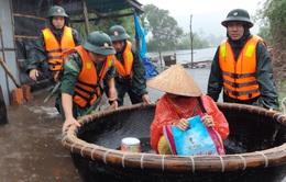 Thừa Thiên - Huế: Khẩn cấp cứu trợ người dân vùng lũ
