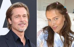 Bạn gái Brad Pitt mệt mỏi vì bị chỉ trích