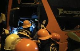Xe khách va chạm xe đầu kéo trên đường tránh Hải Vân, 2 người tử vong
